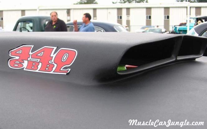 Classic Muscle Cars >> 1969 Roadrunner 440 6BBL Hood Scoop