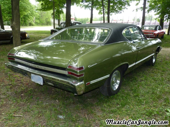 1968 Pontiac Beaumont 327 Rear Right