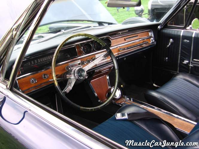 Pontiac Grand Prix Interior